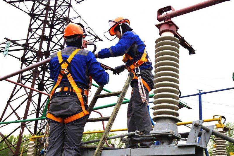 Курскэнерго в 2017 году отремонтировало свыше  двух с половиной тысяч километров линий электропередачи