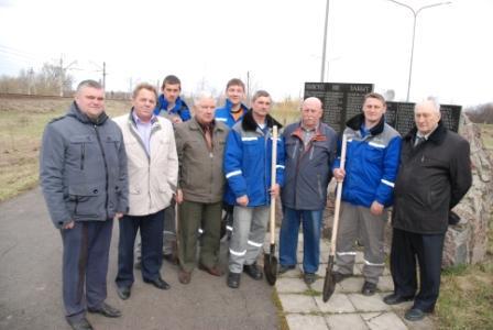 Работники Курскэнерго в преддверии Дня Победы благоустроили более 30 памятников и мемориалов Великой Отечественной войны