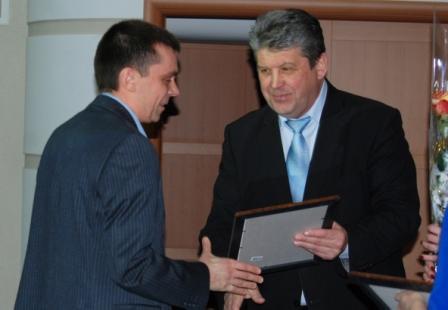 Руководители муниципалитетов Курской области наградили специалистов Курскэнерго