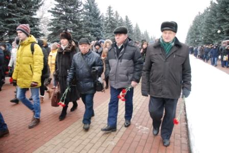 Сотрудники Курскэнерго приняли участие в мероприятии, посвященном 75-летию освобождения Курска